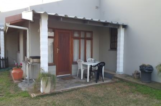 Cosy  3 Sleeper 1 Bedroom flat on South Coast KZN