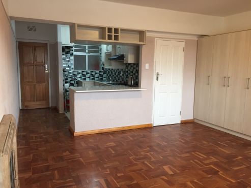 Studio Apartment with garage, unfurnished - dont miss it