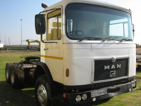 MAN V10 Truck
