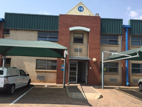 WAREHOUSE / FACTORY TO LET IN SCIENTIA PARK, JUST OF MEIRING NAUDE RD!