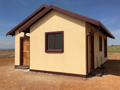 Protea Glen 2bedrooms, bath, kitchen, lounge, ext 26 pre-paid Rental R2500