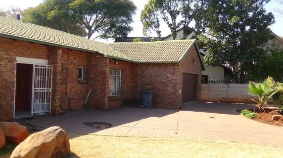 Spacious and Secure 3 Bedroom Home in Doornpoort – R 1 000 000