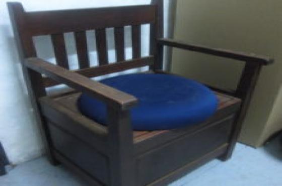 commando chair