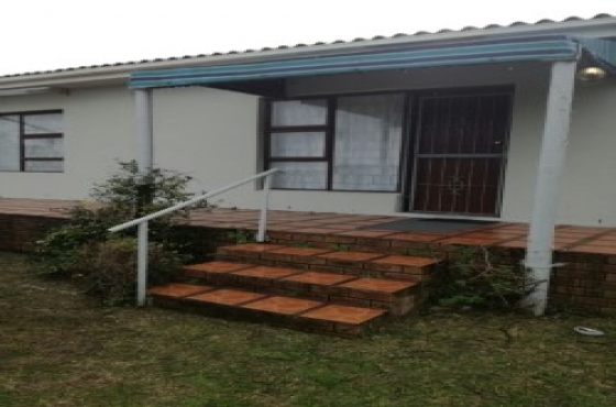 Gansbaa/Kleinbaai home for a stress free summer break away