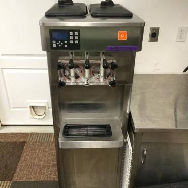 Two Flavor Soft Serve Ice Cream Countertop Machine SF121.