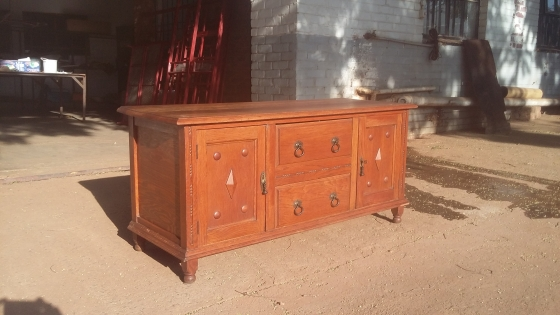 Oak sideboard For Sale