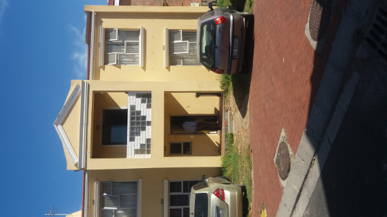 ACCOMMODATION FOR WORKING COUPLES IN CAPETOWN