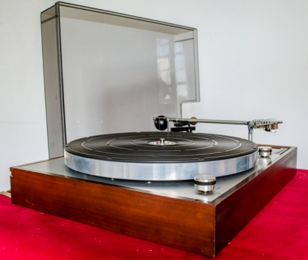 Thorens TD 150 MKII Turntable with Shure M44C Cartridge +