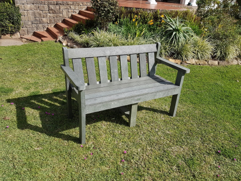 Outdoor picnic bench sets, park benches and all outdoor products made from 100% recycled plastic.