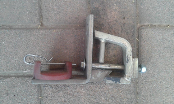 Yellow Blade bracket for caravan or trailer.