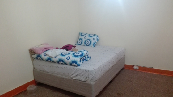 Big bedroom with cupboard to let on the top of Bedford Gardens,10 minutes walking to East gate,