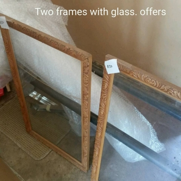 2 Frames with glass