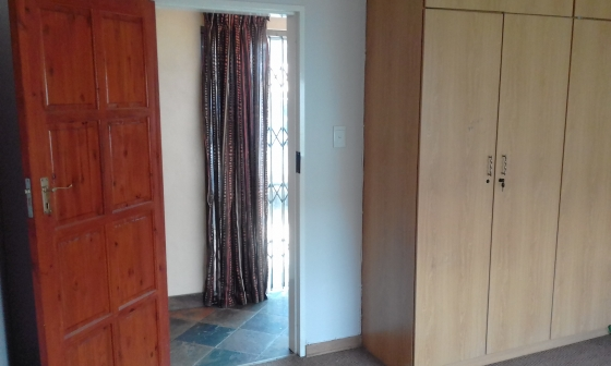 Room  for rent in Villieria house - (students preferred  )