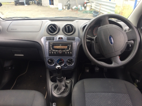Ford Figo 1.4 ambiente 2012 Model with 4 Doors,