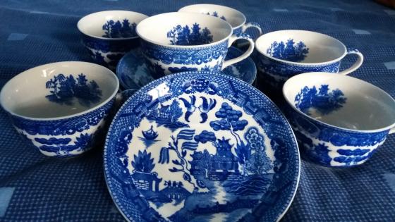 Antique Japan Blue Willow Tea Set