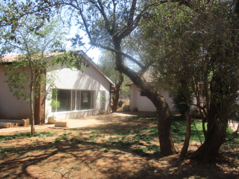 Smart buy : 3 bed, 9300 m2 , only 2 km from CBD