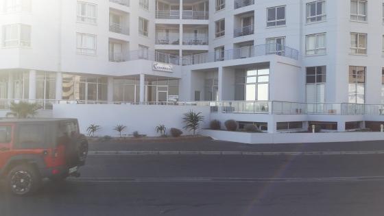 1 Bedroom Apartment  in the Ocean Breeze Hotel Beach Road, Strand.