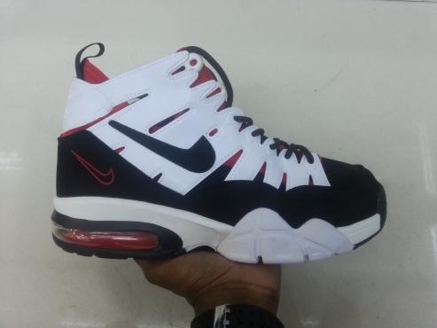 Nike Max2 Sneakers
