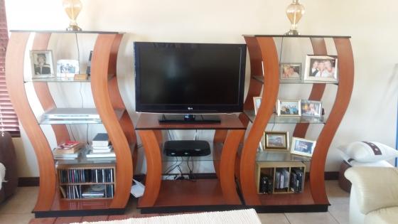 3 Piece TV/wall unit | Junk Mail