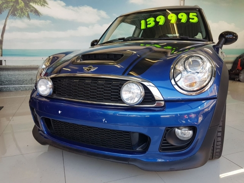 Beautiful Mini Cooper S Clubman For Sale ** Low Km's
