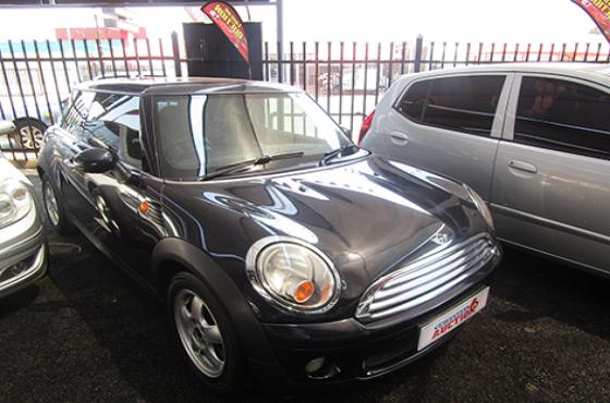 Mini Cooper on auction