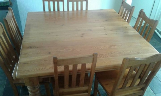 8 Seater Oregon Pine Dining Room Table And Chairs