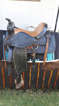 Western saddles for sale