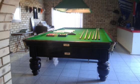 Snooker Table In Household In South Africa Junk Mail - Full size snooker table for sale
