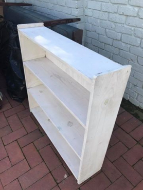Painted pine Bookshelp