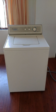 EXCELLENT CONDITION:  SPEED QUEEN - 8.2KG TOP LOAD WASHING MACHINE STAINLESS STEEL DRUM- Ideal to purchase for spare parts