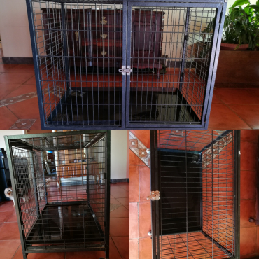 Metal three door cage