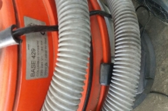 Vacuum clearner for sale.