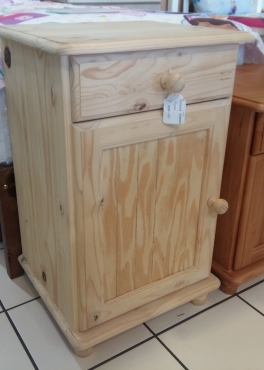 Pine Raised Flat Panel Pedestal - Raw
