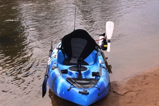 Kayak Sit on top Kayak C/W Electric Motor 40LBS Power 30 Shaft & Rudder BL/WH/BK