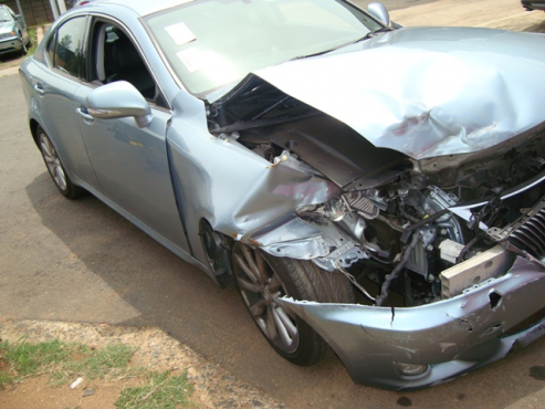 salvage/accident lexus is250