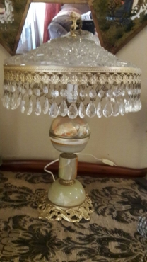 CRYSTAL & ONYX LAMP