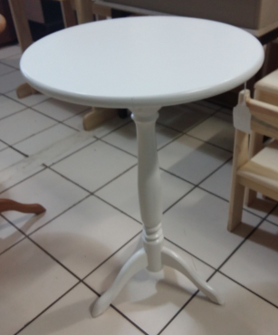 750 High, Pine Round table. - White