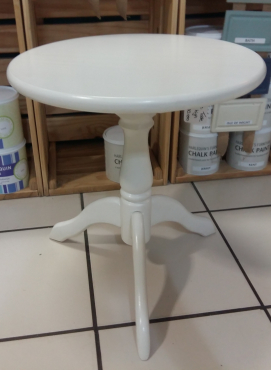 Pine Round Table - W