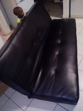 Black Sleeper Couch With No Legs