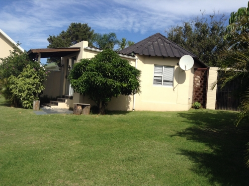 BEAUTIFULL home BONZA bay east London as going concern b and b